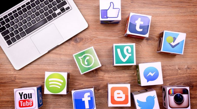 How to get a massive Social Media fan base fast